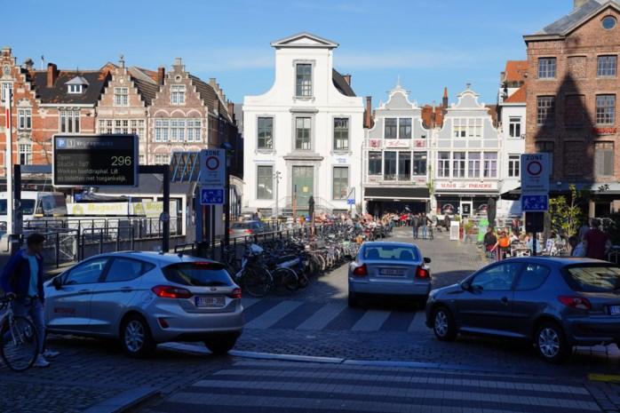 Al bijna 6.000 bestuurders lopen in 'boetevalstrik' op Vrijdagmarkt: al 300.000 euro opgebracht