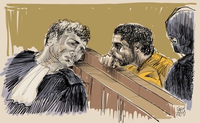 """Advocaat van Nemmouche sneert in het rond op proces over aanslag op Joods Museum: """"Ik heb geen zin in deze muppet show"""""""