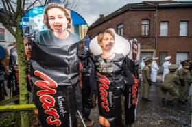 Van Anuna De Wever tot Joke Schauvliege: Aalst Carnaval lacht met iedereen tijdens openingsstoet