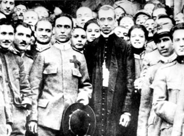 """Heilig was Pius XII zeker niet. Voor altijd de """"oorlogspaus"""" met twee gezichten: redde hij joden van de holocaust of stemde hij stilzwijgend toe?"""
