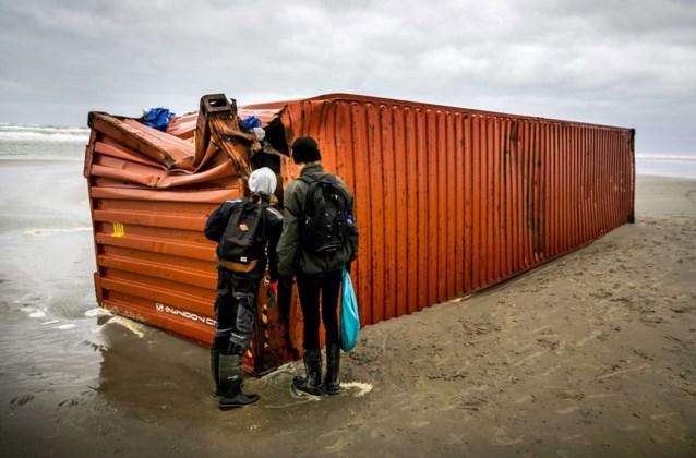 Nog steeds miljoenen plastic korreltjes op Waddenkust door verloren containers