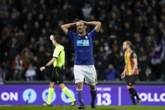 Beerschot Wilrijk blijft met tien man overeind tegen KV Mechelen in heenwedstrijd promotiefinale