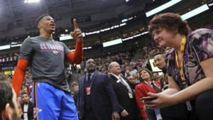 """NBA-superster Russell Westbrook bedreigt toeschouwer na racistische opmerking: """"Ik maak je kapot, jou en je vrouw!"""""""