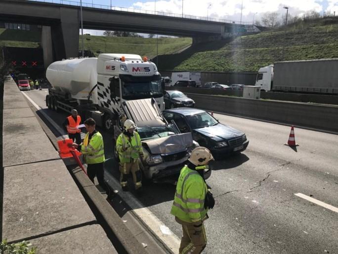 Kennedytunnel terug vrij in beide richtingen na ongevallen