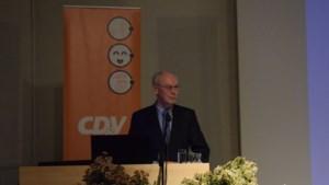 """Herman Van Rompuy: """"In elk normaal land was Theresa May al lang afgetreden"""""""