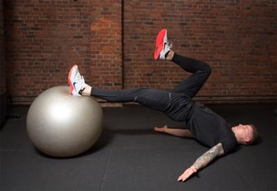 Minirokjestraining: met deze oefening krijg je mooie bovenbenen