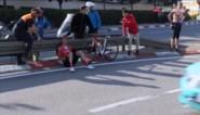 Gebroken sleutelbeen voor Wilco Kelderman na val in Ronde van Catalonië