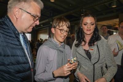 """Prins Laurent toont interesse voor Lego-therapie… en de vrouw erachter: """"Een tweede zoals gij bestaat niet"""""""