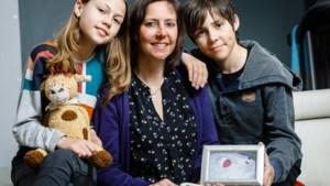 """Nieuwe wet voor 'sterrenkindjes': """"10 jaar moeten wachten, maar eindelijk krijgt mijn zoon een naam"""""""