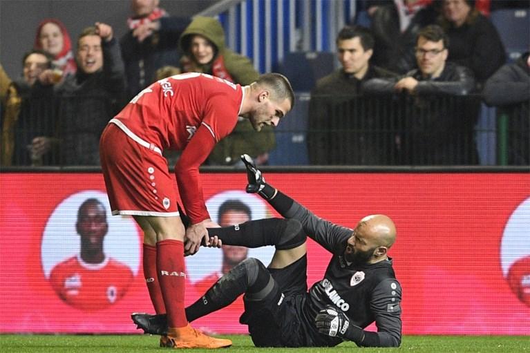 De 5 strafste voetbalacties van de week: het baardje van Hein Vanhaezebrouck en de aandoening van Antwerp-doelman Sinan Bolat