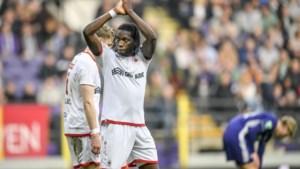 Handen op elkaar voor… ex-spits die doodsteek geeft: Anderlecht droomt van terugkeer Dieumerci Mbokani