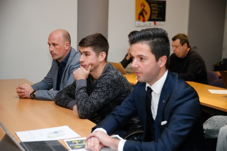 Genk-speler Ruslan Malinovskyi vrijgesproken na rode kaart en zondag inzetbaar in topper tegen Club Brugge