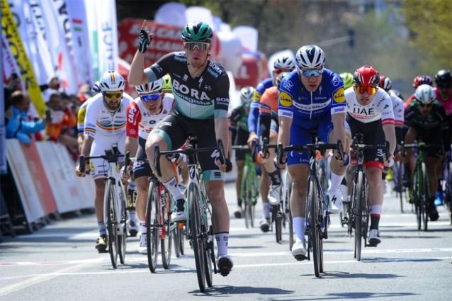 Sam Bennett toont snelle benen in eerste rit Ronde van Turkije, Fabio Jakobsen vergist zich van finishlijn