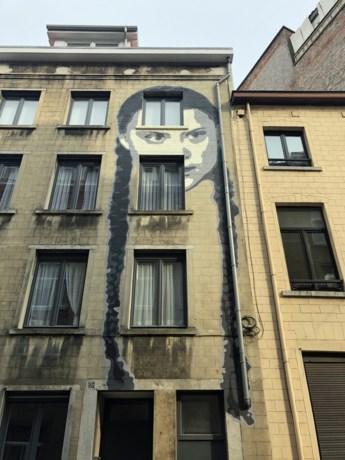 Klimaatactiviste Greta Thunberg duikt in Brussel op als muurschildering