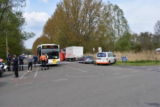 Wielertoerist overlijdt na aanrijding met bus in Willebroek