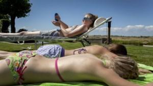 """Haal de zonnecrème maar boven want het wordt een warm en zonnig paasweekend: """"Insmeren is de boodschap"""""""
