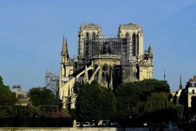"""Vlaamse bedrijven én kunstenaar lonken naar heropbouw Notre-Dame: """"Ze moéten wel hulp uit het buitenland inschakelen"""""""