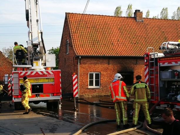 Woning brandt uit, geen gewonden
