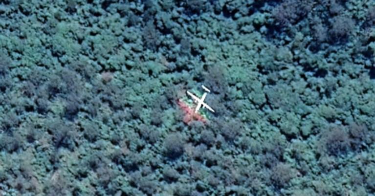 """Al 38 jaar lang een mysterie, maar vrouw """"vindt verdwenen vliegtuig"""" met één blik op Google Maps"""