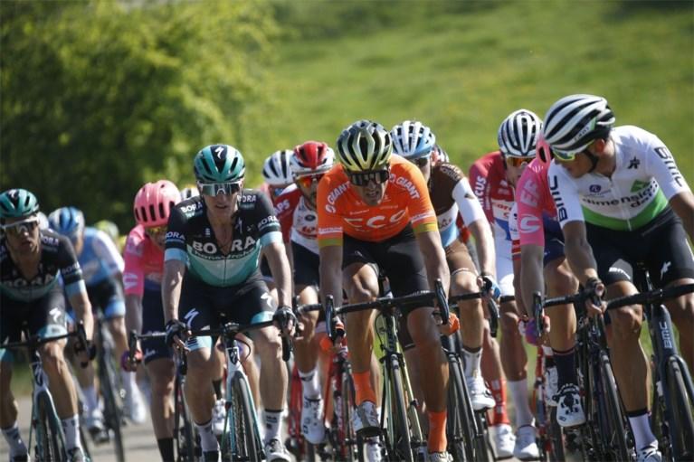 """REACTIES. Renners in Amstel Gold Race kunnen bewondering niet verbergen: """"Fenomenale Van der Poel"""""""