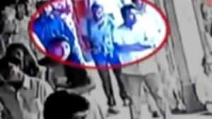 """""""Hij zag er jeugdig en onschuldig uit"""": zelfmoordterrorist gefilmd terwijl hij kerk binnenwandelt"""