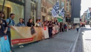 "Animal Rights protesteert tegen dierenproeven aan KU Leuven: ""Dit is barbaars"""
