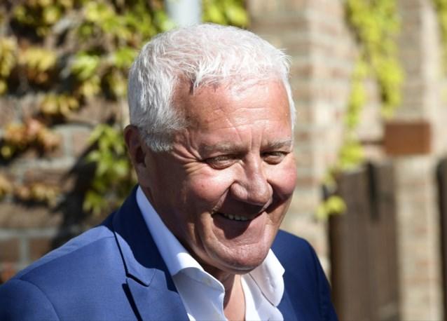 """Patrick Lefevere hekelt rol van koersdirecteur in Amstel Gold Race: """"Die had daar niets te zoeken, hij rijdt zelf te graag in beeld"""""""