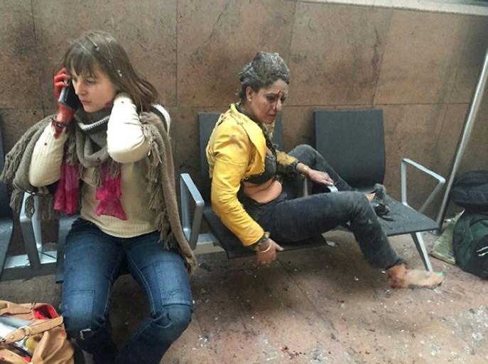 """Stewardess die aanslagen op Zaventem overleefde, dreigt nu haar job te verliezen: """"Hopen op mirakel"""""""