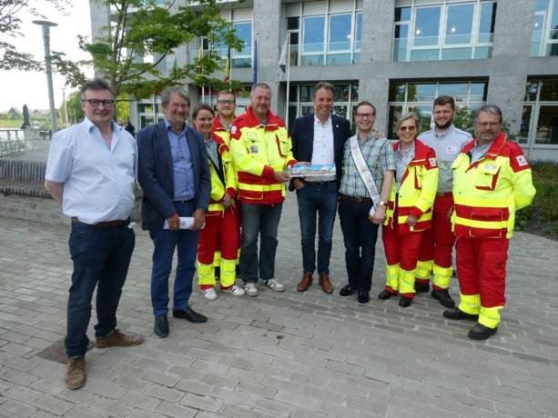Rode Kruis Deinze verkoopt nieuwe sticker met figuurtjes Playmobil