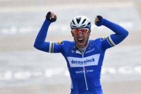 """Philippe Gilbert na zijn eerste zege in Roubaix: """"Ik heb altijd veel waarde gehecht aan de manier van winnen"""""""