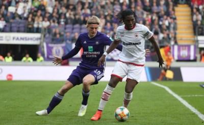 """Sebastiaan Bornauw (20) heeft ondanks crisis bij Anderlecht geen schrik voor Jan Breydel: """"Ze mogen mij uitfluiten in Brugge"""""""