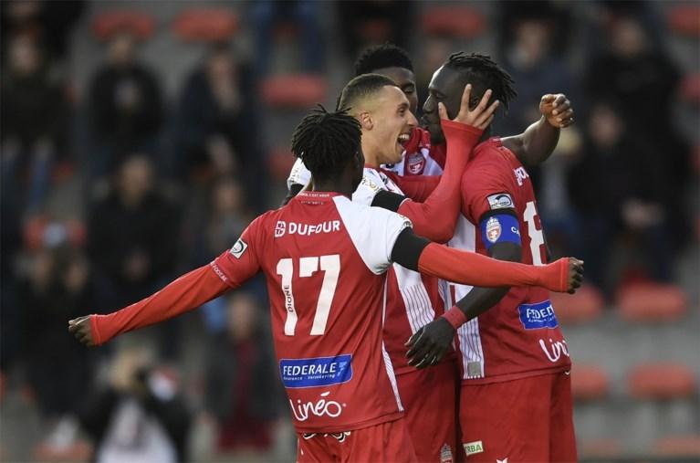 KV Kortrijk wint incidentrijke match tegen Moeskroen en grijpt opnieuw de macht in groep B