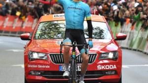 Er staat geen maat op Jakob Fuglsang: 34-jarige Deen wint loodzware Luik-Bastenaken-Luik na heerlijke solo
