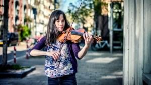 Het meisje van 25 met de viool van 250 jaar
