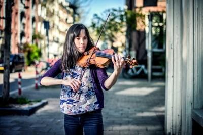 Op bezoek bij de enige Belgische kandidate voor de Koningin Elisabethwedstrijd: het meisje van 25 met de viool van 250 jaar