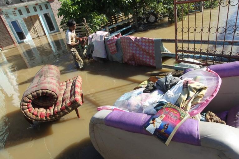 Bijna 40 doden bij overstromingen in Indonesië