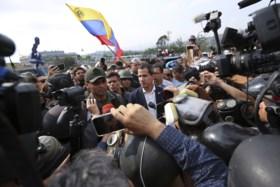 Situatie in Venezuela loopt uit de hand: pantserwagens rijden in op demonstranten
