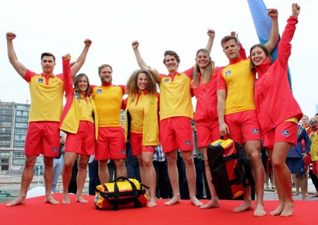 Nieuwe reddersuitrusting krijgt internationale allure:redders vanaf deze zomer geel en rood