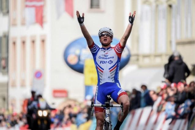 Zwitsers hardrijder Stefan Küng verrast peloton in tweede etappe Ronde van Romandië