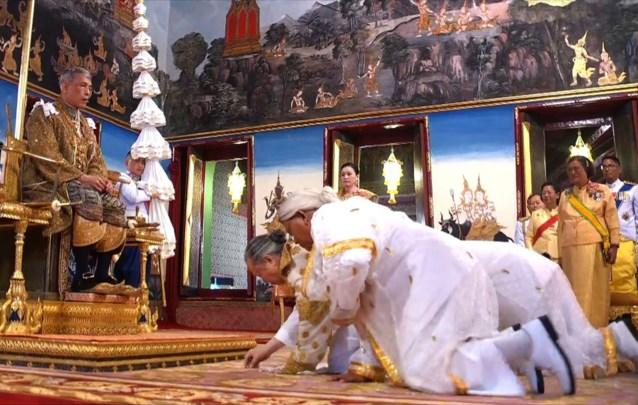 Maha Vajiralongkorn gekroond tot nieuwe koning van Thailand