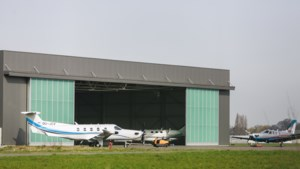 """Gekibbel over aantal toegelaten vluchten in Deurne: """"Minister laat te veel trainingen toe"""""""