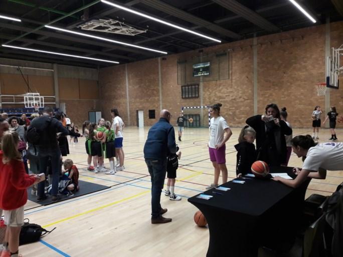 """Belgian Cats kruipen met warm hart uit de veren voor Basket tegen Kanker: """"Het is enorm leuk om eens iets terug te doen"""""""