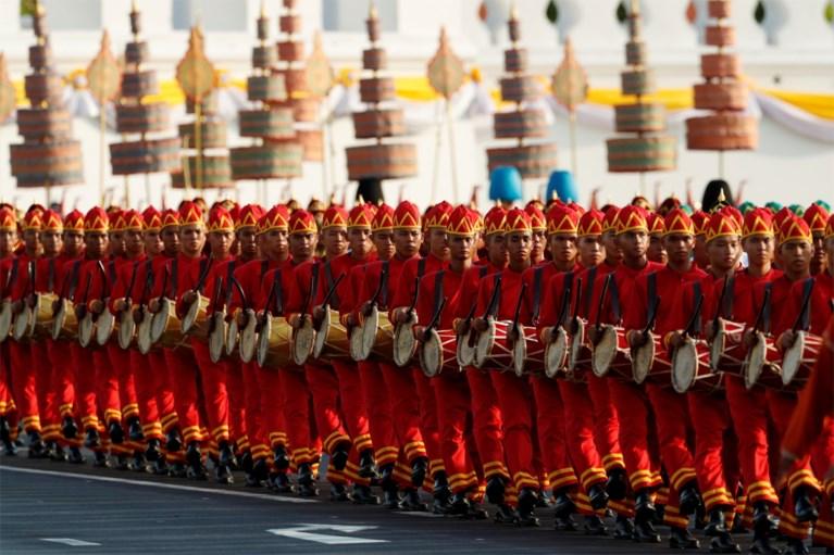 Thailand viert nieuwe koning met grote parade