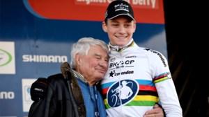 """Opa Raymond Poulidor verklaart het succes van kleinzoon Mathieu van der Poel: """"Hij luistert naar niemand en neemt niets serieus"""""""