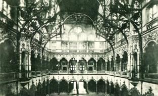 Stadsgids zoekt voor nieuw boek oude foto's van Handelsbeurs