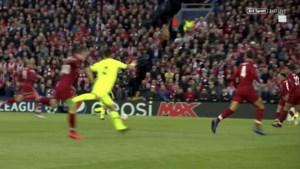 Vaak geniaal, maar ook gemeen: venijnige fout van Luis Suarez tegen ex-ploeg Liverpool