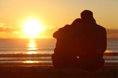 """""""Ik ben verliefd op mijn nicht, hoe ga ik hiermee om?"""" Relatietherapeute Rika Ponnet geeft advies"""