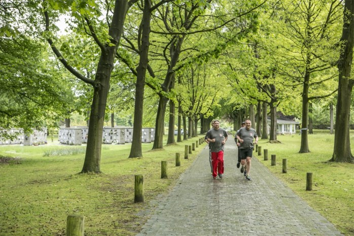 """Looproute gaat door historische begraafplaats, """"maar niet tussen de zerken"""""""