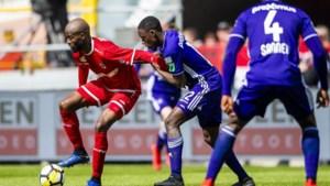 ANALYSE. Mbokani toont zijn waarde voor Antwerp door afwezigheid, maar toch mag Anderlecht hem niet nemen
