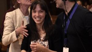Belgische Sylvia (25) gaat samen met elf andere violisten door naar finale Koningin Elisabethwedstrijd